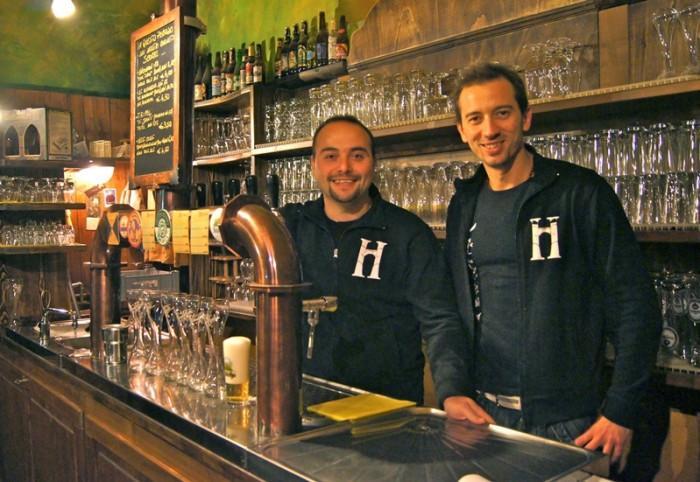 Mario D'Addio e Sebastiano Pucella al banco spillatura